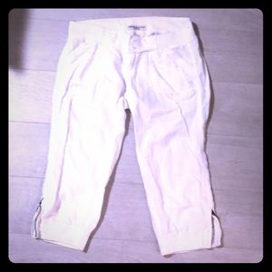 White Abercrombie & Fitch Cropped Pants Sz 2